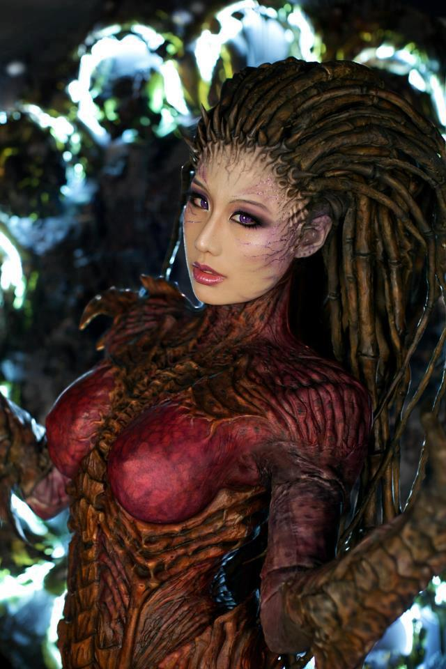 cosplay queen of blades-starcraft 2